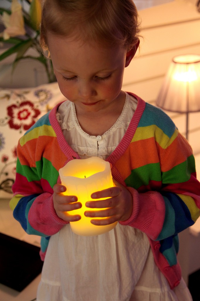 LED-Kerzen zaubern romantischen Kerzenschein
