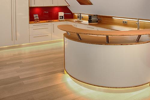 led licht f r die k che highlight led. Black Bedroom Furniture Sets. Home Design Ideas