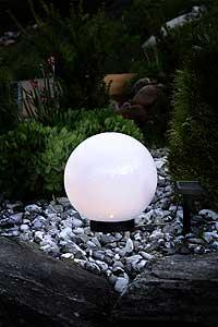 LED Außenbeleuchtung - Solar Kugel mit Durchmesser 25cm